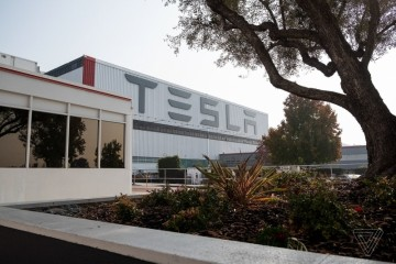 特斯拉加州停产进程与政府屡次交涉不得不关厂