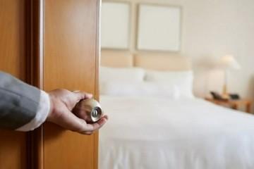阿里女员工入住酒店否认违规制作房卡主打人文情怀数次IPO折戟